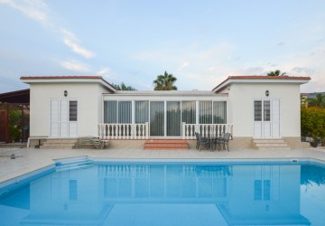 3 Bedroom Bungalow in Peyia, Paphos