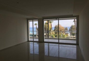 Apartment For Sale  in  Ayios Tychonas