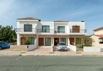 Town House For Sale  in  Mesogi