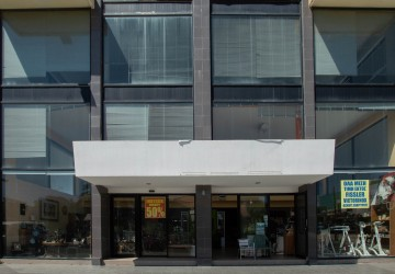 Shop For Rent  in  City center