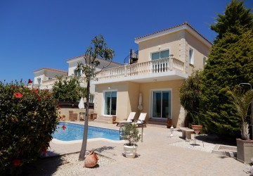 3 Bedroom Detached Villa in Peyia, Paphos