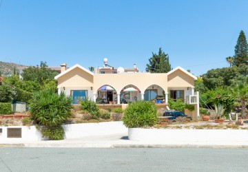 3 Bedroom Bungalow in Tala, Paphos