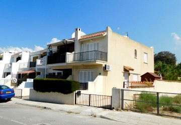 2 Bedroom Town House in Kissonerga, Paphos