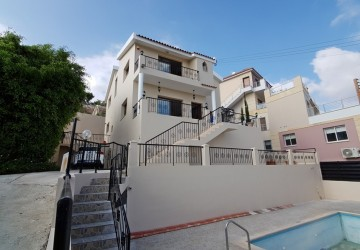 4 Bedroom Detached Villa in Geroskipou, Paphos