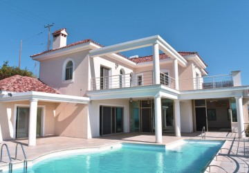 5 Bedroom Detached Villa in Kissonerga, Paphos