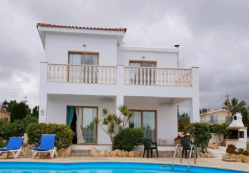 Detached Villa For Rent  in  Peyia - Coral Bay