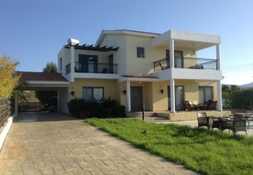 4 Bedroom Detached Villa in Peyia - Coral Bay, Paphos