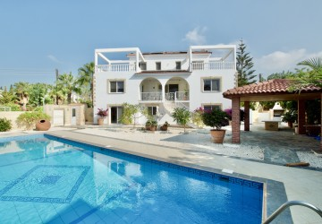 4 Bedroom Detached Villa in Peyia - Sea Caves, Paphos