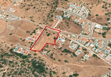 Residential Land  For Sale  in  Peyia