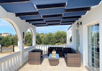Detached Villa For Sale  in  Peyia - Sea Caves