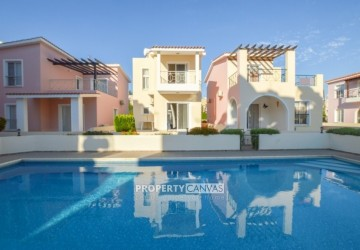 2 Bedroom Detached Villa in Kato Paphos - Universal, Paphos