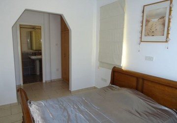 Detached Villa For Rent  in  Peyia - St. George