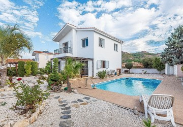Detached Villa in Argaka, Paphos