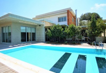 5 Bedroom Detached Villa in Konia, Paphos