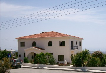 5 Bedroom Detached Villa in Tala, Paphos