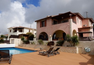 4 Bedroom Detached Villa in Tsada, Paphos