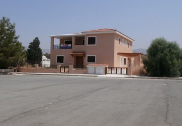 5 Bedroom Detached Villa in Peyia - Coral Bay, Paphos