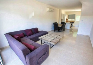 2 Bedroom Town House in Kato Paphos - Universal, Paphos