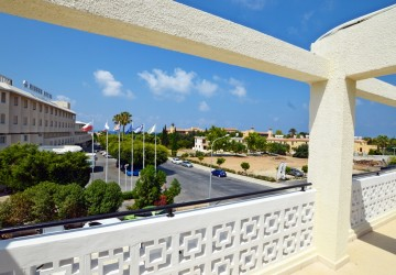 3 Bedroom Penthouse in Kato Paphos - Tombs of The Kings, Paphos